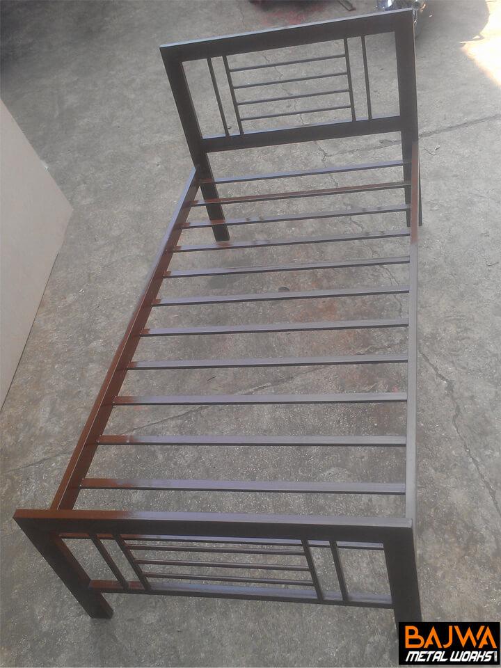 Brown steel Single bed for hostels