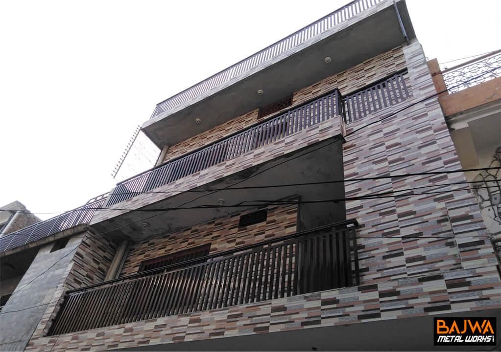 Roof iron grill railing design