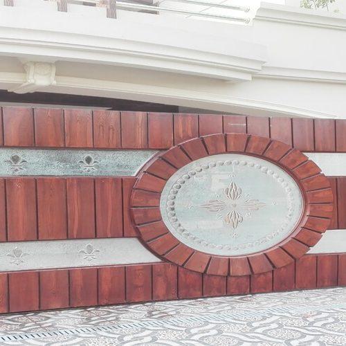 Fancy house entrance gate